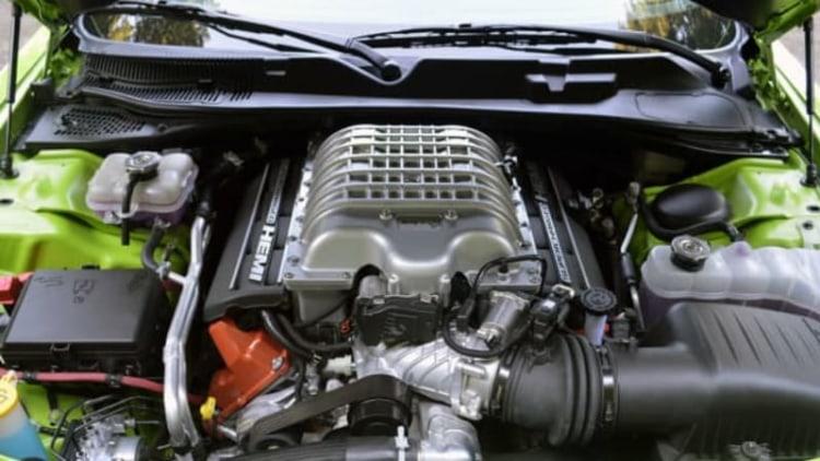 Dodge Challenger SRT Hellcat gets 22 mpg