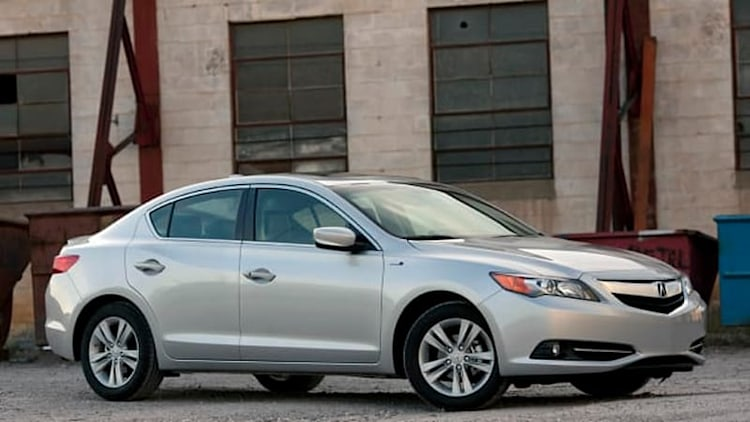 Acura recalls 2013-2014 ILX, ILX Hybrid over fire-prone headlamps