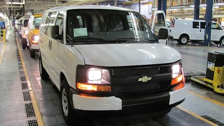 Chevy Express 1500, GMC Savana 1500 get the axe