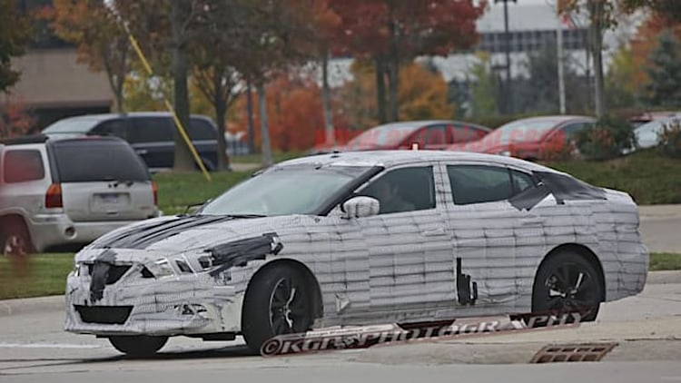 2016 Nissan Maxima spotted for first time