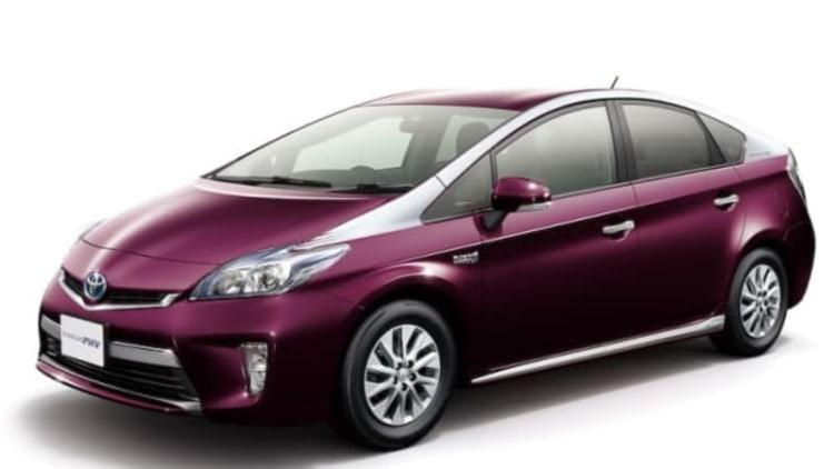 US Prius Plug-In Hybrid gets price cut, won't get JDM two-tone paint