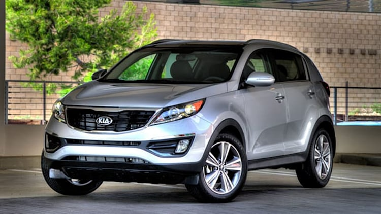 2014 Kia Sportage facelift arrives with updated 2.4L, new grille
