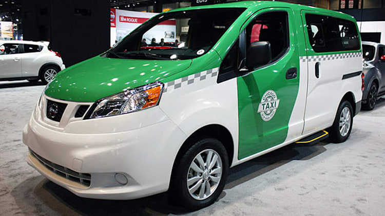 Nissan NV200 Chicago Taxi looking for a #HailYes