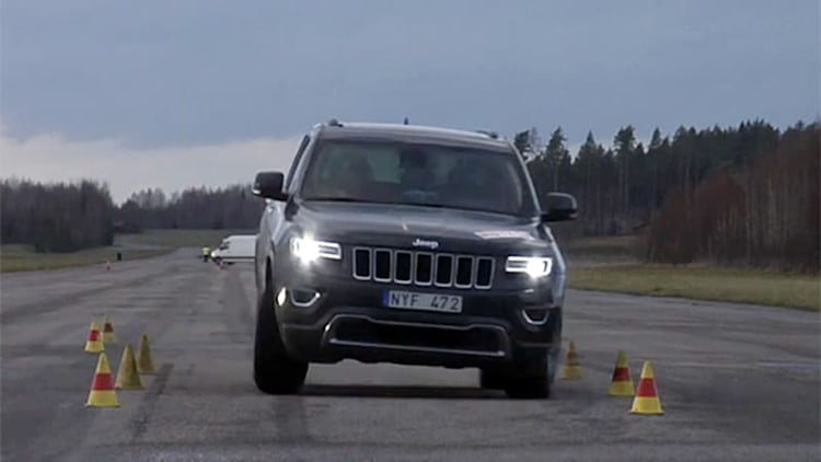 Updated 2014 Jeep Grand Cherokee aces same controversial moose test it failed in 2012 [w/video]