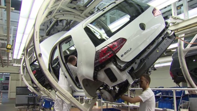 Watch the VW E-Golf get made