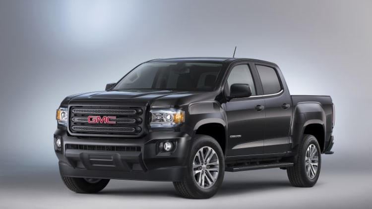 GMC introduces Canyon Nightfall Edition for the steathly and stylish