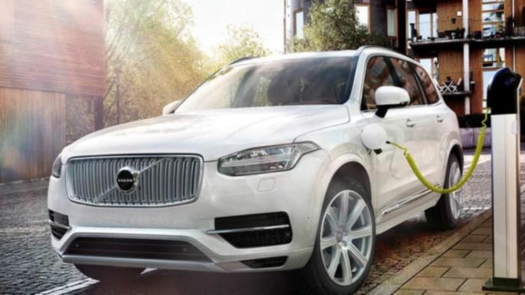 Volvo XC90 T8 hybrid runs 0-62 in 5.9 seconds, will get 59 MPGe*