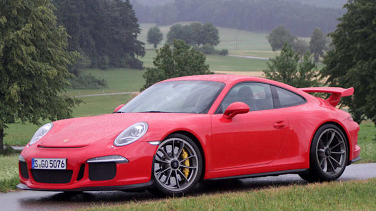 Porsche gives GT3 owners extra year of warranty, new engines in production April 22