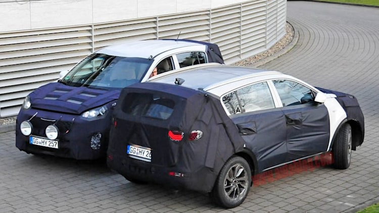 Kia spotted testing new 2016 Sportage in Germany