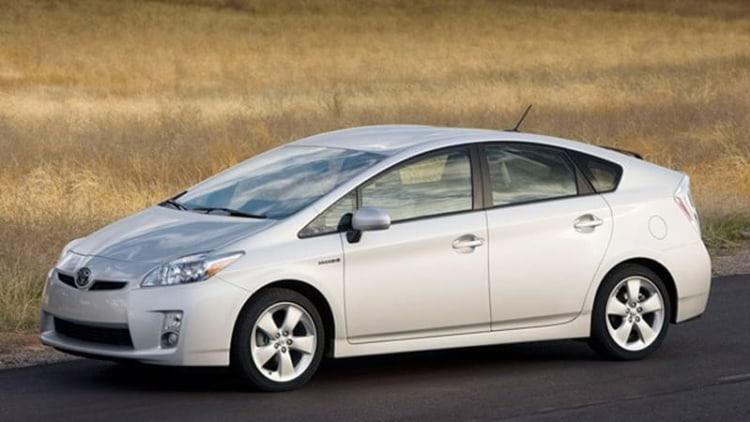 Toyota recalling 87k 2010 Prius, Lexus HS 250h models for brake issue