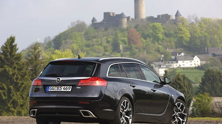 Opel cutting work hours in two plants to avoid layoffs