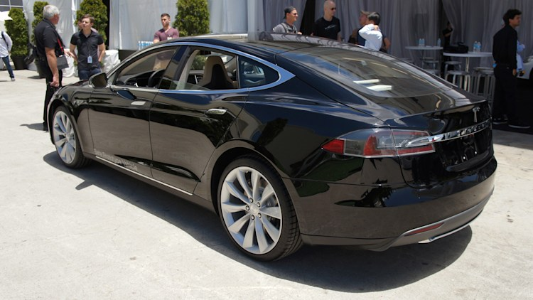 figuring out exactly how much it costs to charge tesla model s. Black Bedroom Furniture Sets. Home Design Ideas