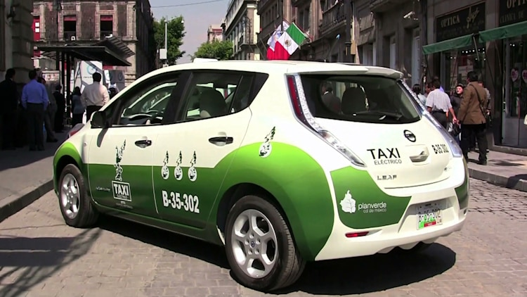 nissan leaf taxi mexico city