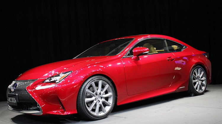 2015 lexus rc 300h is a hardcore hybrid cherry coupe. Black Bedroom Furniture Sets. Home Design Ideas