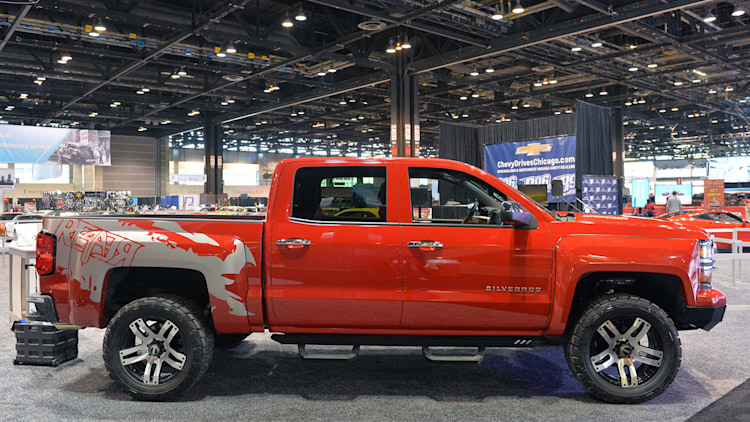 lingenfelter chevy reaper is ready to make ford 39 s raptor go extinct w video. Black Bedroom Furniture Sets. Home Design Ideas