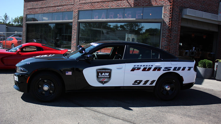 2015 dodge charger pursuit prepares to keep hellcats in line. Black Bedroom Furniture Sets. Home Design Ideas