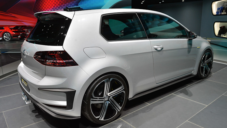 volkswagen golf r 400 concept still makes us swoon. Black Bedroom Furniture Sets. Home Design Ideas