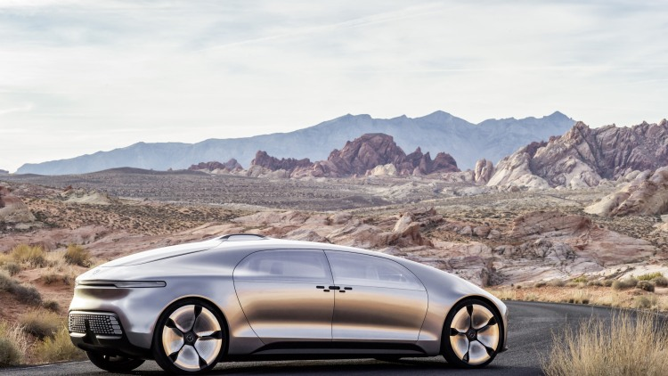 Mercedes reveals f 015 luxury in motion concept at ces w for Mercedes benz f 015