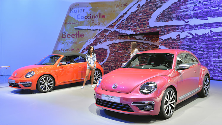 2011 - [Volkswagen] Coccinelle [VW329] - Page 23 02-vw-beetle-special-edition-concepts-ny-1
