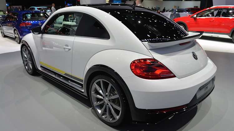 2011 - [Volkswagen] Coccinelle [VW329] - Page 23 09-vw-beetle-special-edition-concepts-ny-1