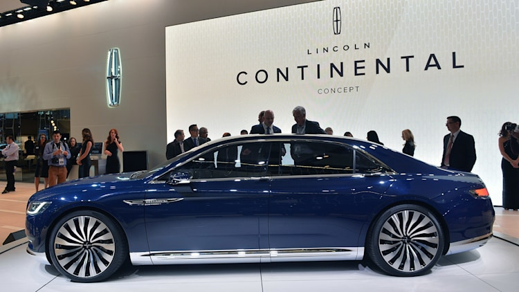 lincoln continental concept has arrived on the new york stand. Black Bedroom Furniture Sets. Home Design Ideas