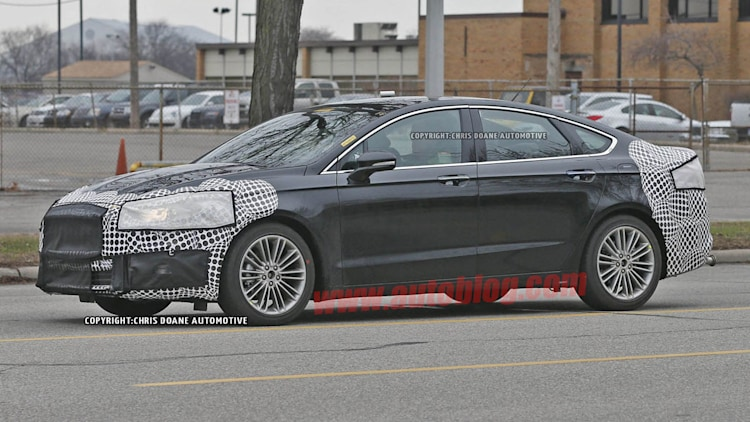 2016 - [Ford] Mondeo / Fusion restylée Ford-fusion-spy-shots-005-1