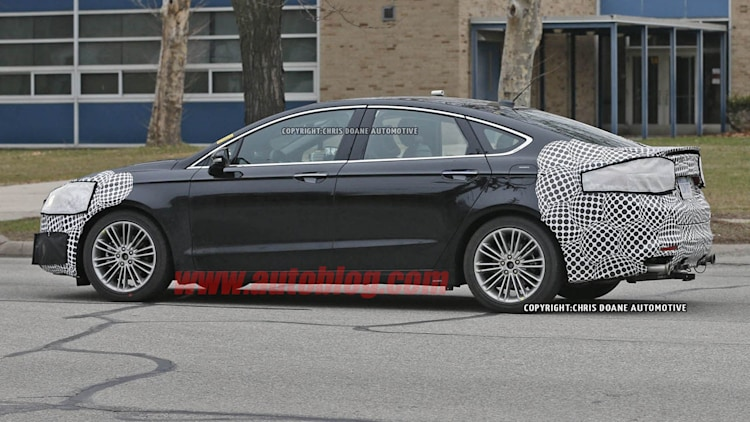 2016 - [Ford] Mondeo / Fusion restylée Ford-fusion-spy-shots-007-1