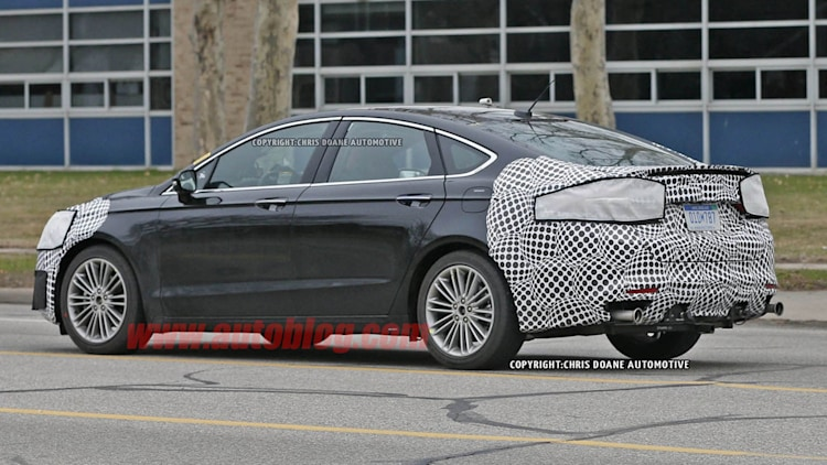 2016 - [Ford] Mondeo / Fusion restylée Ford-fusion-spy-shots-008-1