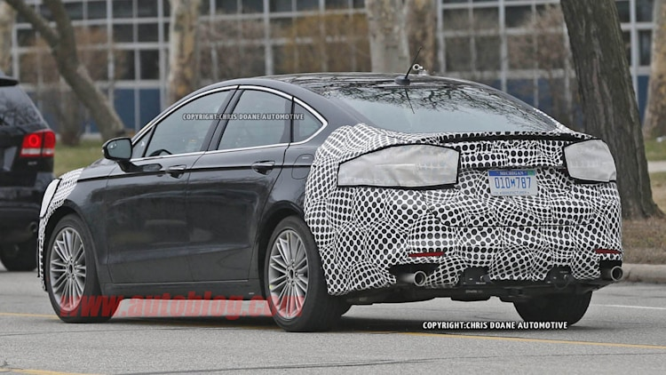 2016 - [Ford] Mondeo / Fusion restylée Ford-fusion-spy-shots-010-1