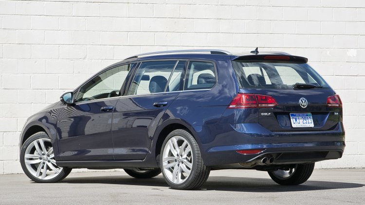 02-2016-vw-golf-tdi-sportwagen-review-1.jpg