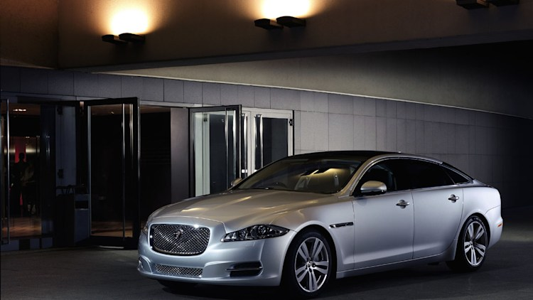 JAG_20014_Model_Year_Jaguar_XJ_200813_01