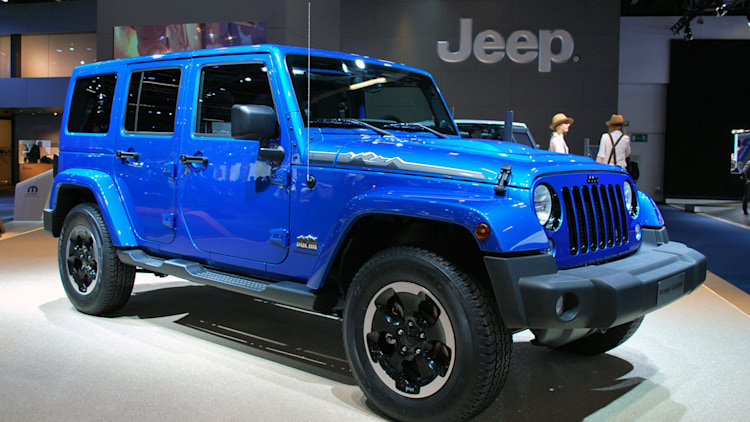 2014 jeep wrangler polar edition frankfurt 2013 photo gallery autoblog. Black Bedroom Furniture Sets. Home Design Ideas