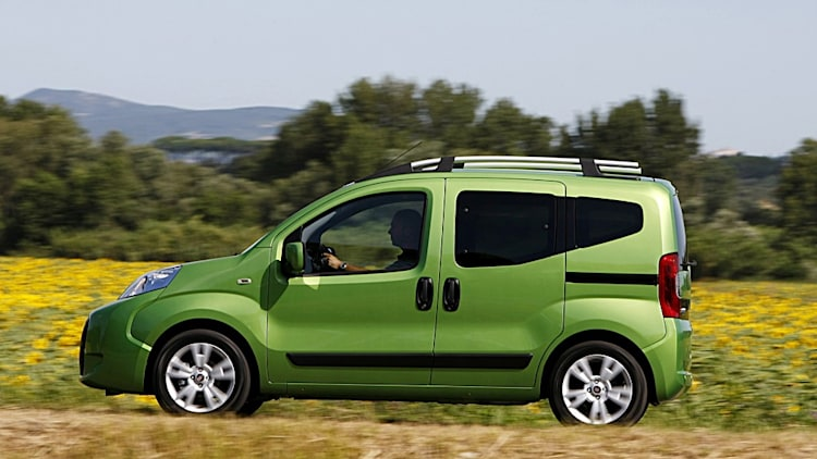 paris preview fiat fiorino qubo for the young folk. Black Bedroom Furniture Sets. Home Design Ideas
