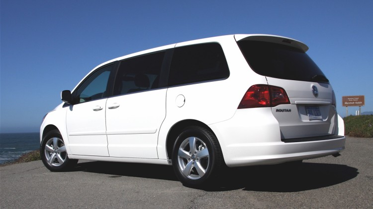 18k vw routan minivans added to ignition switch recall list. Black Bedroom Furniture Sets. Home Design Ideas