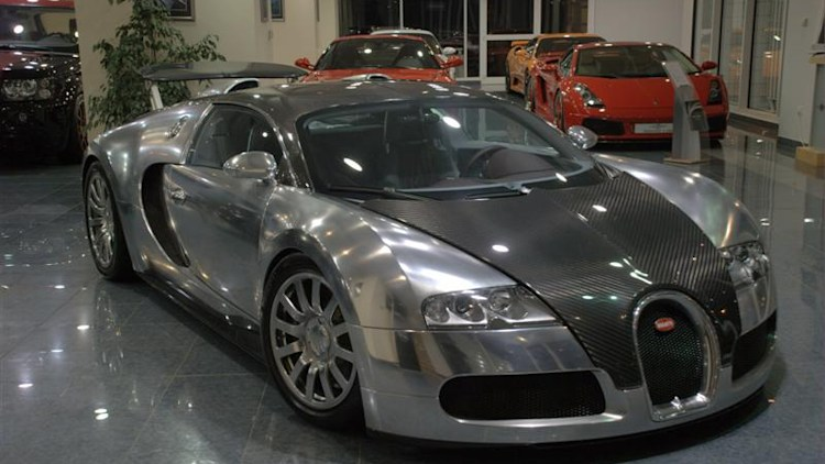 bugatti veyron pur sang for sale in abu dhabi photo gallery autoblog. Black Bedroom Furniture Sets. Home Design Ideas