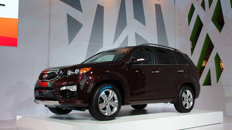 report nhtsa opens investigation into kia sorento and. Black Bedroom Furniture Sets. Home Design Ideas