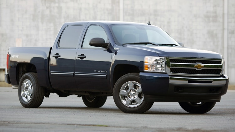 review 2010 chevrolet silverado hybrid is all swing all miss. Black Bedroom Furniture Sets. Home Design Ideas