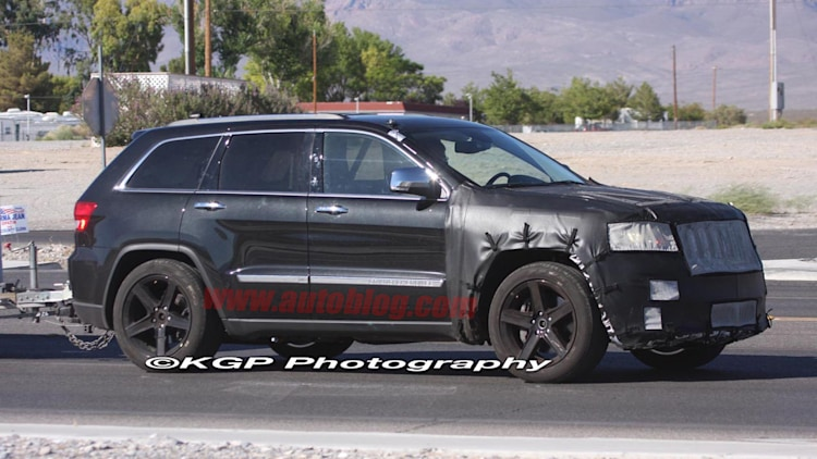 Spy Shots: Jeep Grand Cherokee SRT8