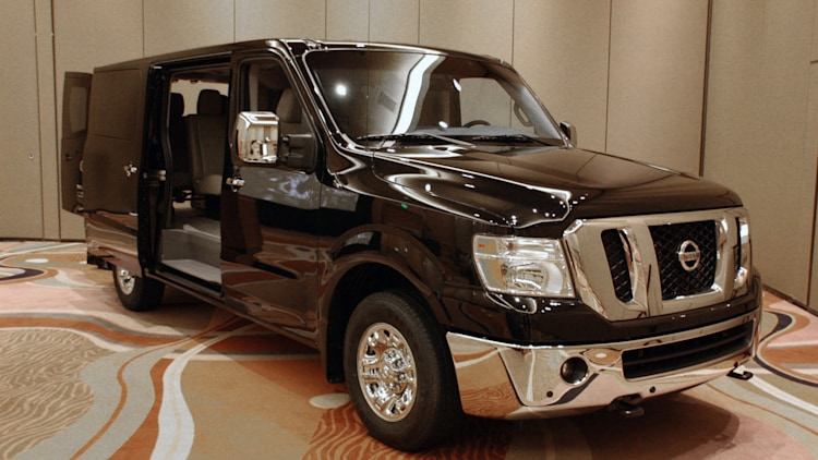 2012 nissan nv3500 passenger van live images photo. Black Bedroom Furniture Sets. Home Design Ideas