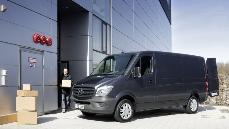 Mercedes sprinter vans with leaky a c units prompt class for Mercedes benz lawsuit
