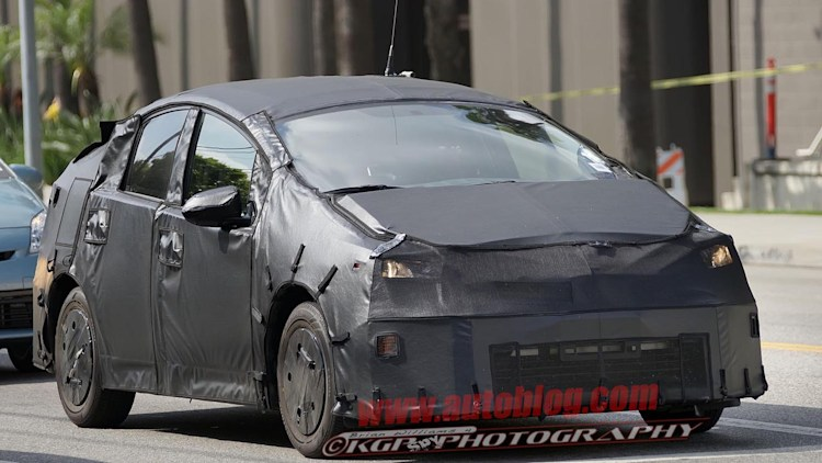 4th-gen Toyota Prius production delayed by 6 months