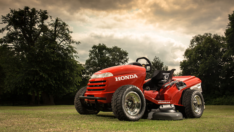 Honda HF2620 Mean Mower: The fastest lawn mower