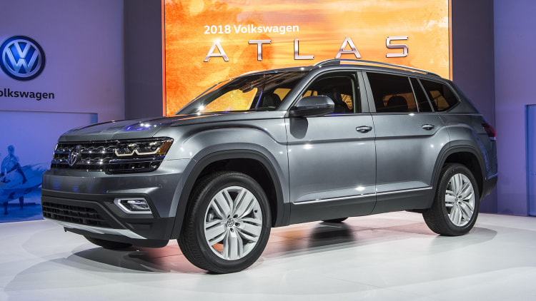 2018 volkswagen atlas unveiling photo gallery autoblog. Black Bedroom Furniture Sets. Home Design Ideas