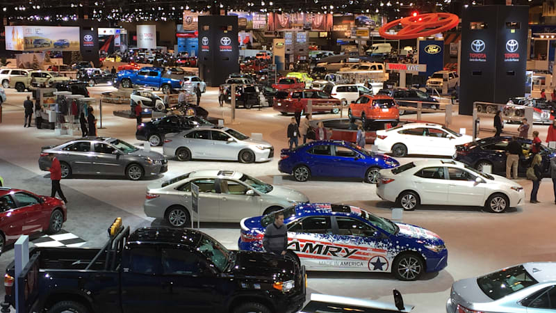 Chicago 2016: Almost 600 vehicles, but only 18 with a plug