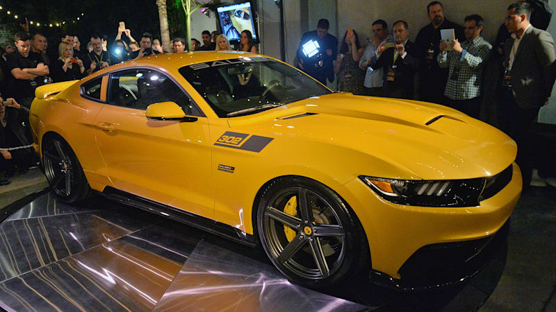 2015 saleen 302 black label mustang unveiled with 730 horsepower autoblog. Black Bedroom Furniture Sets. Home Design Ideas