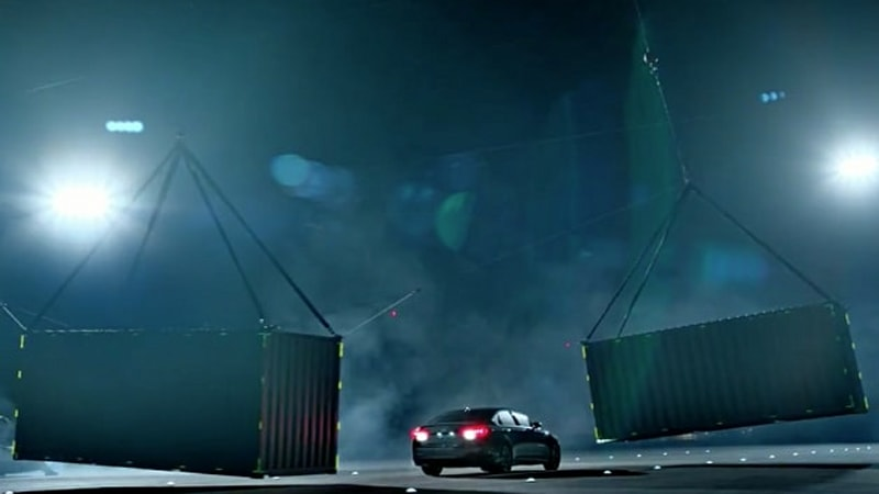 2015 Hyundai Genesis demonstrates safety with high-stakes blind tests
