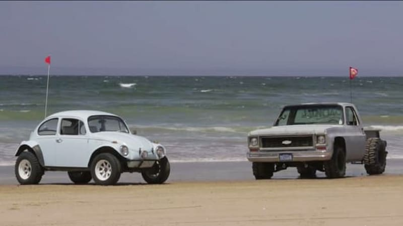 muscle truck takes on baja bug in sandy roadkill battle. Black Bedroom Furniture Sets. Home Design Ideas