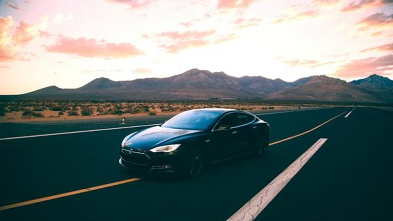 Tesla Model S drivers put way more miles on their cars than Nissan Leaf owners do (we think)