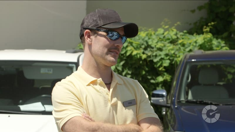 We hired James Van Der Beek to sell used cars undercover | Stars Selling Cars