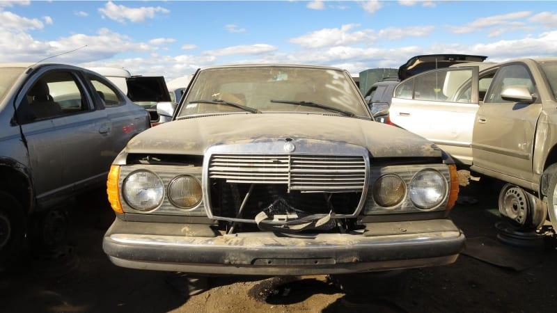 00+ +1982+Mercedes Benz+240D+in+Colorado+